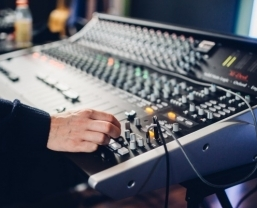 SSL XL-Desk proves easy choice for Rocket Science