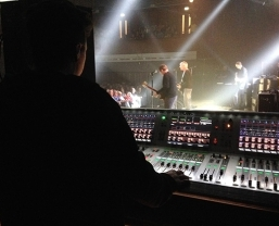 Paul Weller Back on the Road With HARMAN Soundcraft Vi6 Digital Console