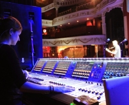 Zoe Martin tours and teaches with HARMAN's Soundcraft Vi Series consoles and Realtime Rack