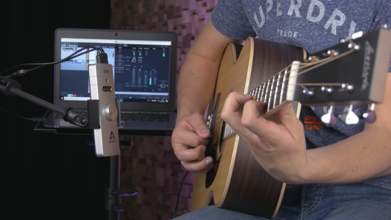Using the Apogee ONE to record acoustic guitar