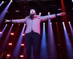 "Martin by HARMAN Raises the Roof on James Arthur's "" Back From The Edge"" Arena Tour"