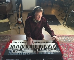 Steve Winwood chooses the Nord C2D Combo Organ